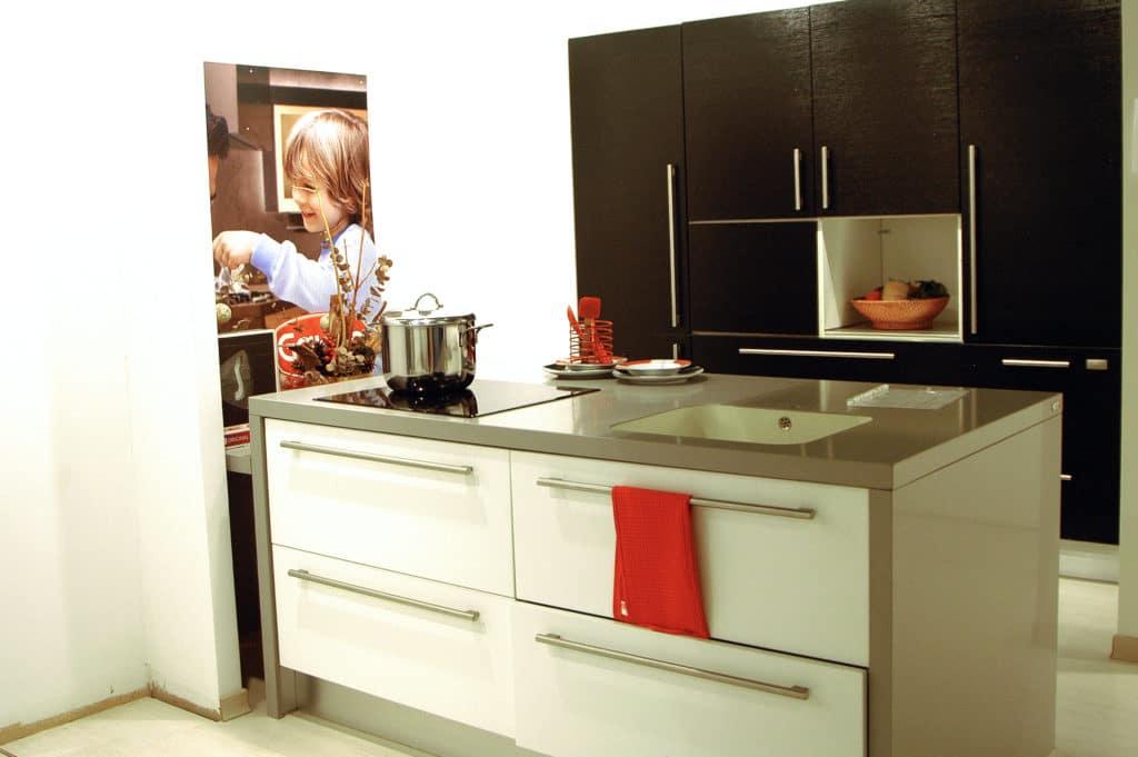 OUTLET COCINA GATTO MODELO SAMAL FRESNO BLACK & WHITE