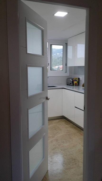 puertas de paso cocina sitges
