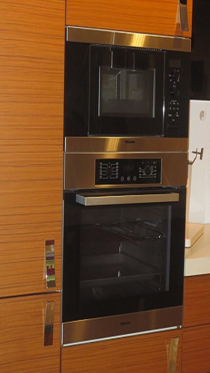 Oferta horno y microondas miele studio gatto cocinas for Oferta encimera y horno