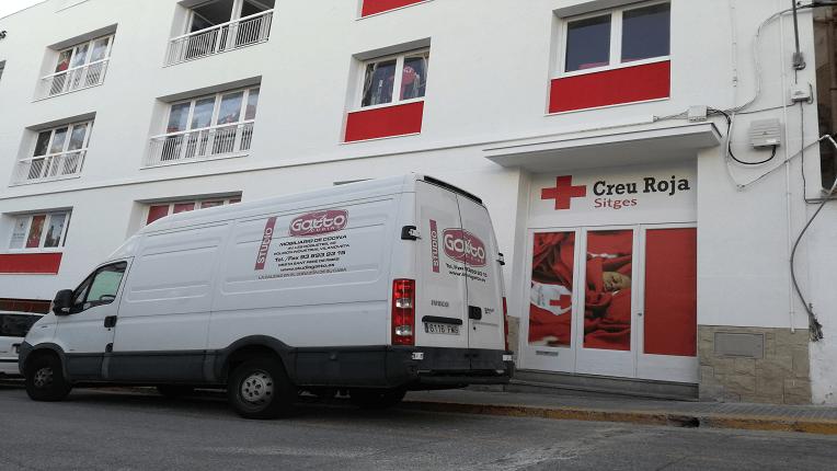 colaboracion reforma cocina en piso de protección creu roja de sitges